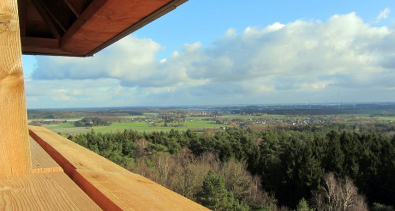 Uitzicht vanaf uitkijktoren op de Hulzenberg bij Stokkum