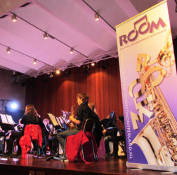 Room - banner concert