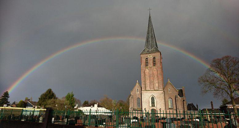 Regenboog - Martinuskerk Beek